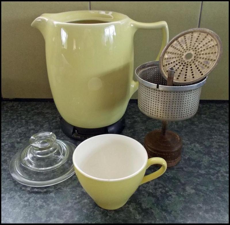 Crown Lynn / Russell Hobbs coffee perk? & Electric Jugs - Page 2 Dscn7033