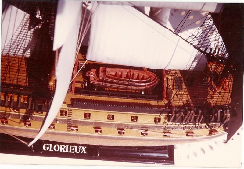 Le Glorieux (maquette Heller au 1/150) - Page 7 Numari14