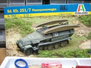 SDKFZ-231(6 roues)+  Sd.Kfz.251/1 + kubelwagen 1/72 Italeri  +  Sd.Kfz.251/1 Dscn3314