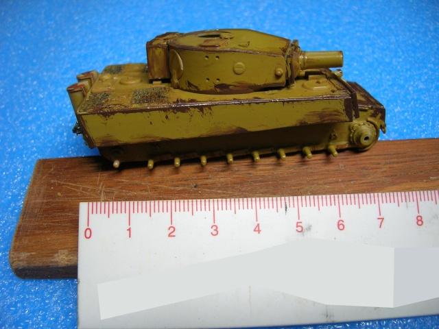 PzKpfw VI  Tigre I Ausf E (1/72 - Revell ) Dscn3455