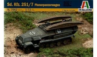 SDKFZ-231(6 roues)+  Sd.Kfz.251/1 + kubelwagen 1/72 Italeri  +  Sd.Kfz.251/1 Sd-kfz11