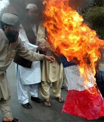 Parler comme Zemmour du péril islamique ne doit plus être un sujet tabou.  Drapea10