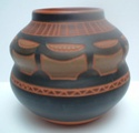 Vase with incised geometric decoration -  Can Kinoto Ceramica, Ibiza Marksp10