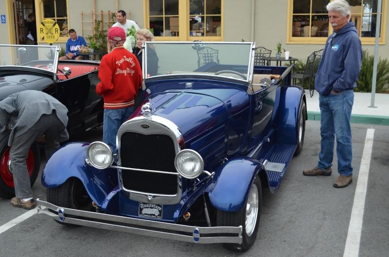 Ein paar amerikanische Oldtimer und ein Käfer Image70