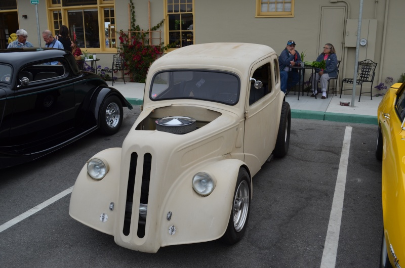 Ein paar amerikanische Oldtimer und ein Käfer Image76