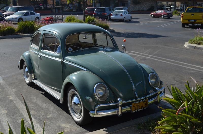 Ein paar amerikanische Oldtimer und ein Käfer Image89