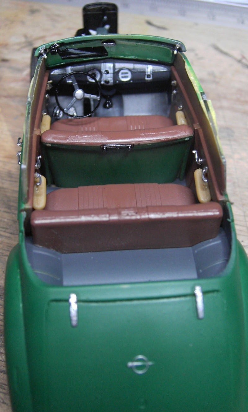 Opel Admiral Cabriolet 1:35 Pict3639