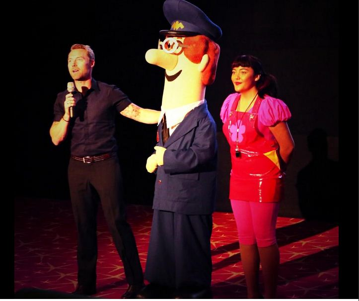 POSTMAN PAT SINGING ROLE  DESSIN ANIME A13