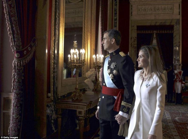UN NOUVEAU ROI D ESPAGNE Felipe VI Articl24
