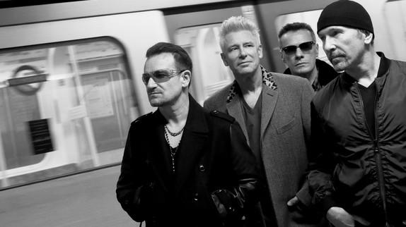 U2   - Page 16 Photo_10