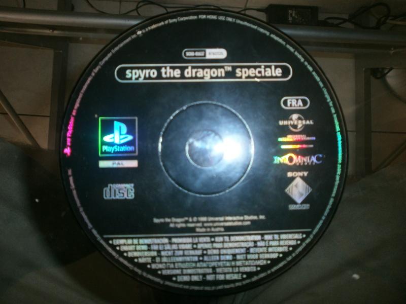 Besoin d'informations sur ces 2 CD PS1 P6300110