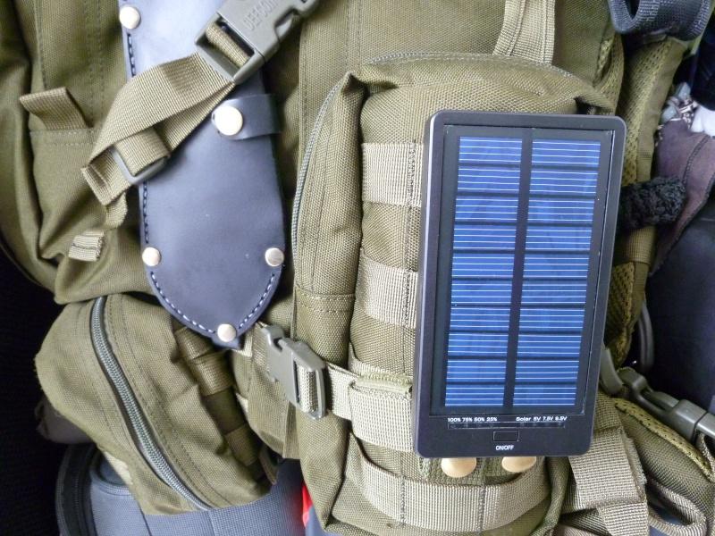 Chargeur Solaire pour Smartphone et autres appareils. P1020724