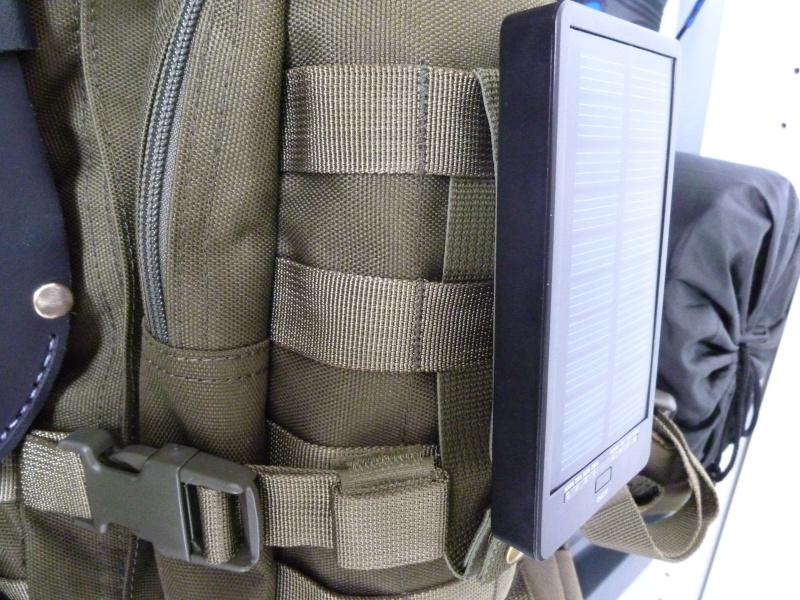 Chargeur Solaire pour Smartphone et autres appareils. P1020725