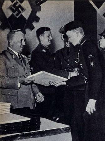 """""""Kreisseiger Abzeichen im Reichsberufswettkampf"""" (1934/1945) Reichs10"""