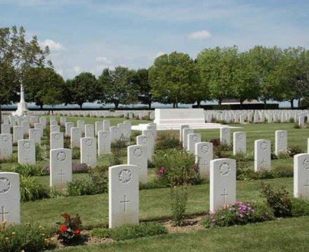 bataille de Normandie.......mon cadeau d'anniversaire Cimeti12