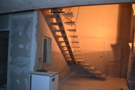 comment faire une marche d'escalier biseautée Dsc_0057