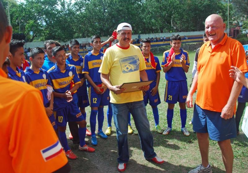 Futbol on Sunday Jim_410