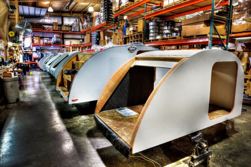 Quelques Photos de la fabrication des roulottes Pleasant Valley Teardrop Trailers 10329710