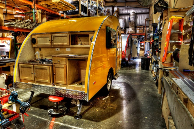 Quelques Photos de la fabrication des roulottes Pleasant Valley Teardrop Trailers 10498610