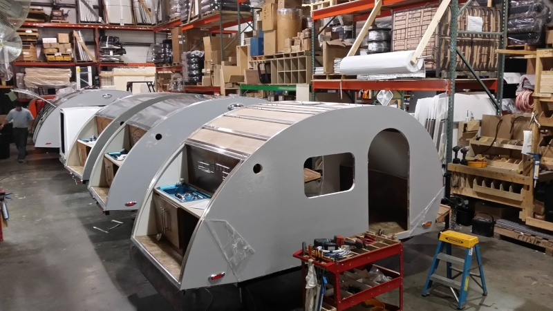 Quelques Photos de la fabrication des roulottes Pleasant Valley Teardrop Trailers 14657710