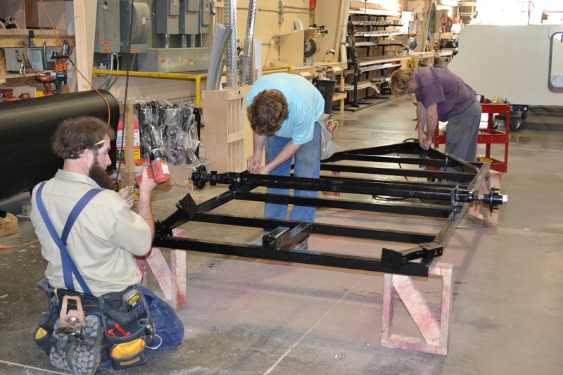Quelques Photos de la fabrication des roulottes Pleasant Valley Teardrop Trailers 45924410