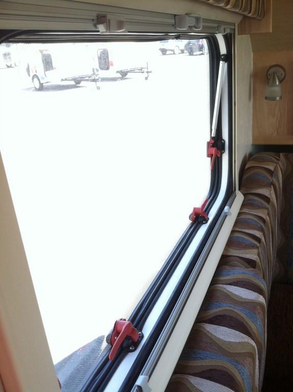 Fenêtre à remplacer 7rcihw10