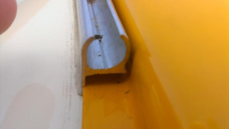 Glissière pour tente Imag1119