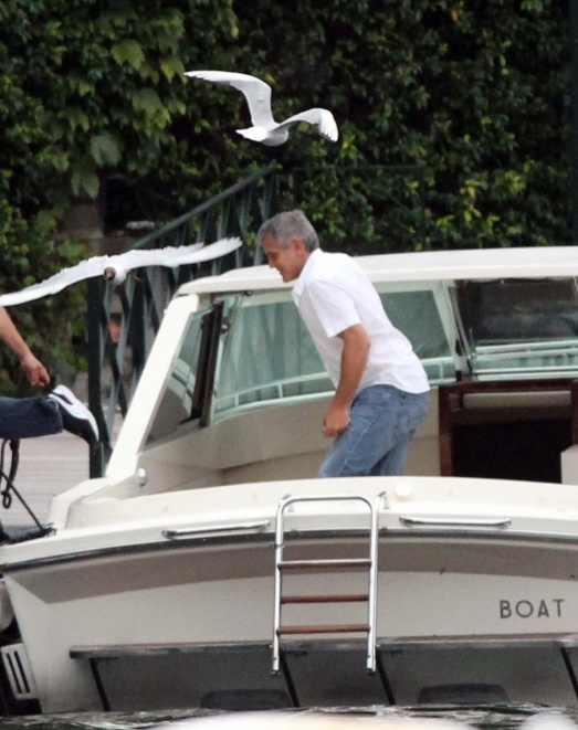 George Clooney on a yacht Bot910