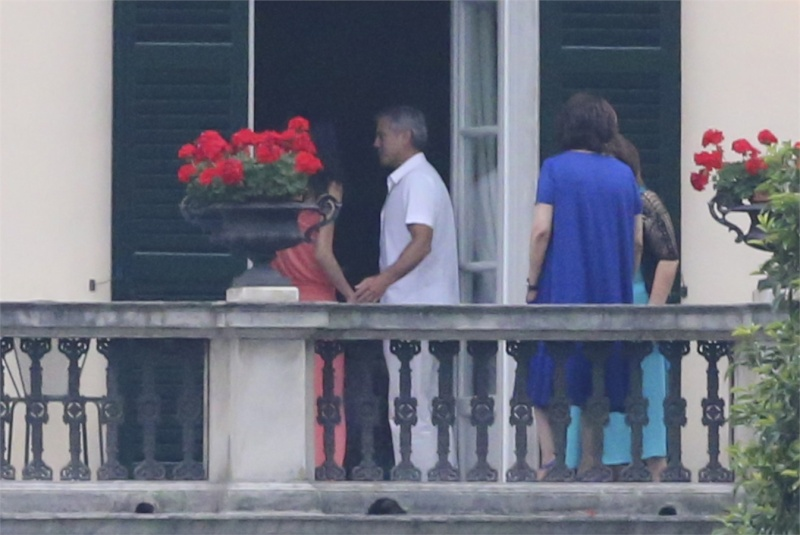George Clooney and Amal in Laglio (with her mother)  Como910