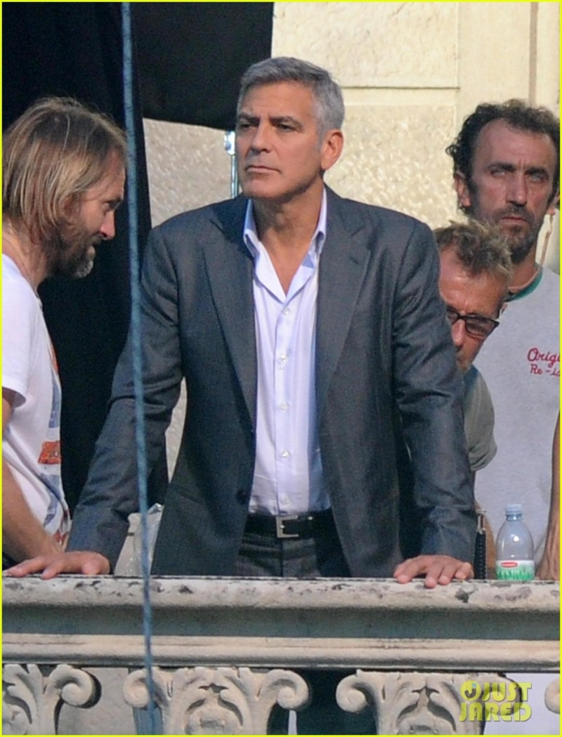 George Clooney and JEAN DUJARDIN doing a new NESPRESSO SPOT - Page 3 Cup10
