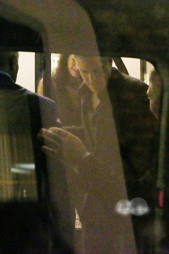 George Clooney & Fiancee Amal Alamuddin Make It a Family Night in Italy! Dinner13
