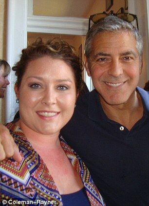 George Clooney meets Fans in Augusta Kentucky - Rosemary Clooney Museum - Page 2 Dog510