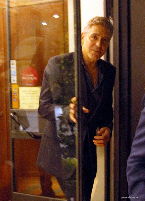 George Clooney & Fiancee Amal Alamuddin Make It a Family Night in Italy! - Page 2 Door310
