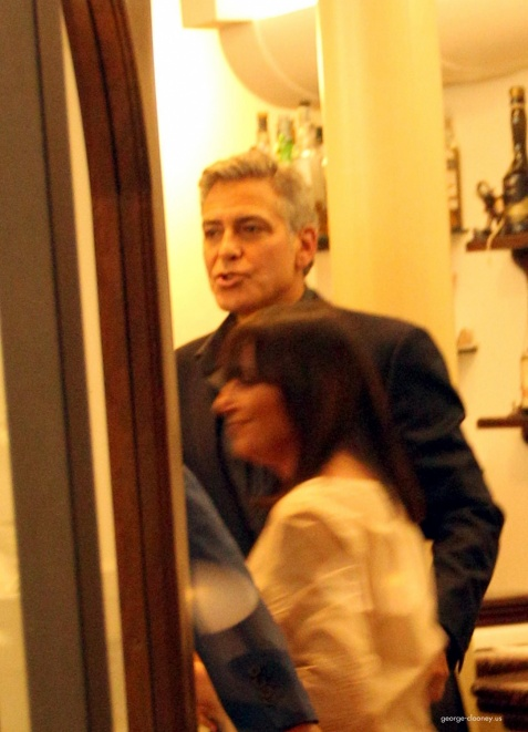 George Clooney & Fiancee Amal Alamuddin Make It a Family Night in Italy! - Page 2 Door510