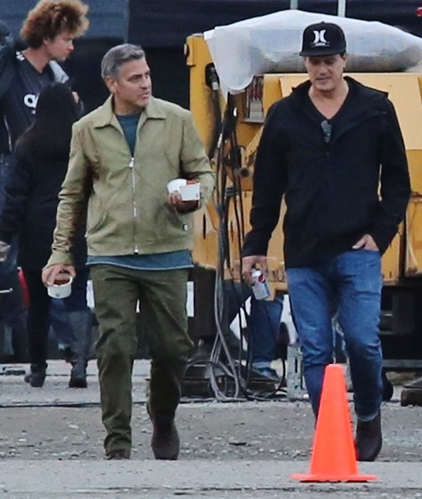 George Clooney on the set of Tomorrowland to reshoot in Vancouver Gg211