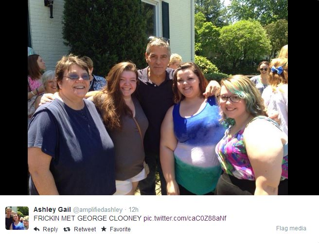 George Clooney meets Fans in Augusta Kentucky - Rosemary Clooney Museum Kent10