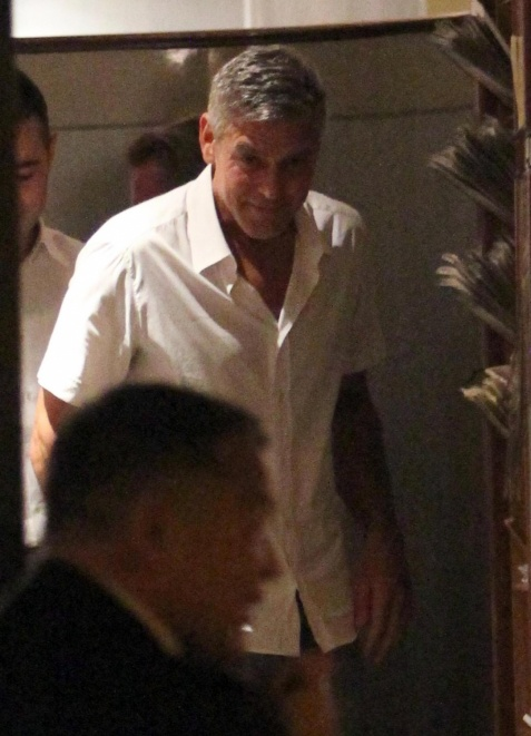 George Clooney & Fiancee Amal Alamuddin Step Out for Romantic Dinner at Harry's Bar! - Page 2 Kim510