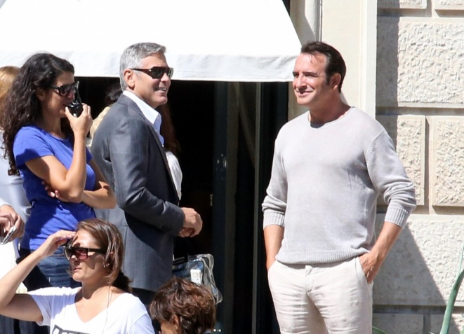 George Clooney and JEAN DUJARDIN doing a new NESPRESSO SPOT - Page 2 Mauer10