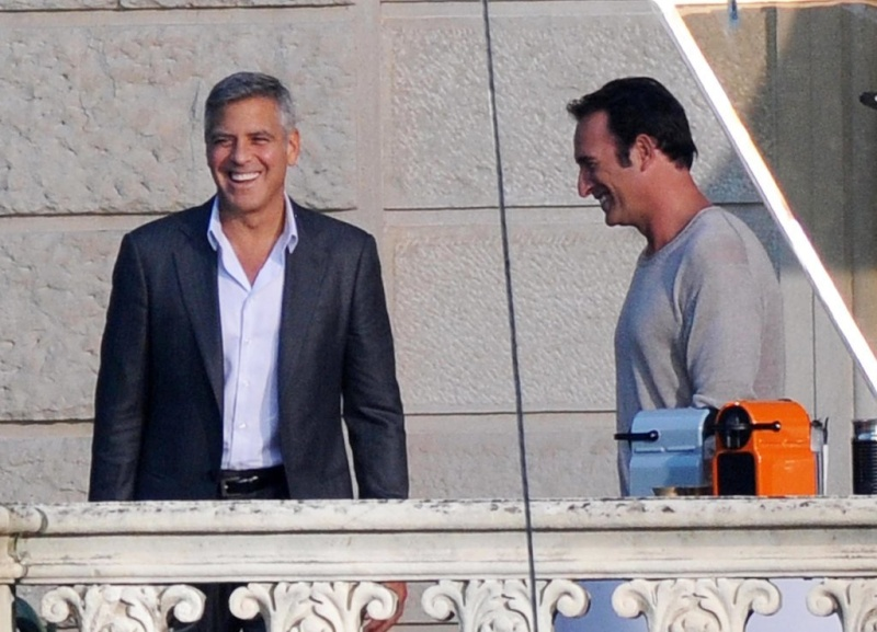 George Clooney and JEAN DUJARDIN doing a new NESPRESSO SPOT - Page 2 Neu12