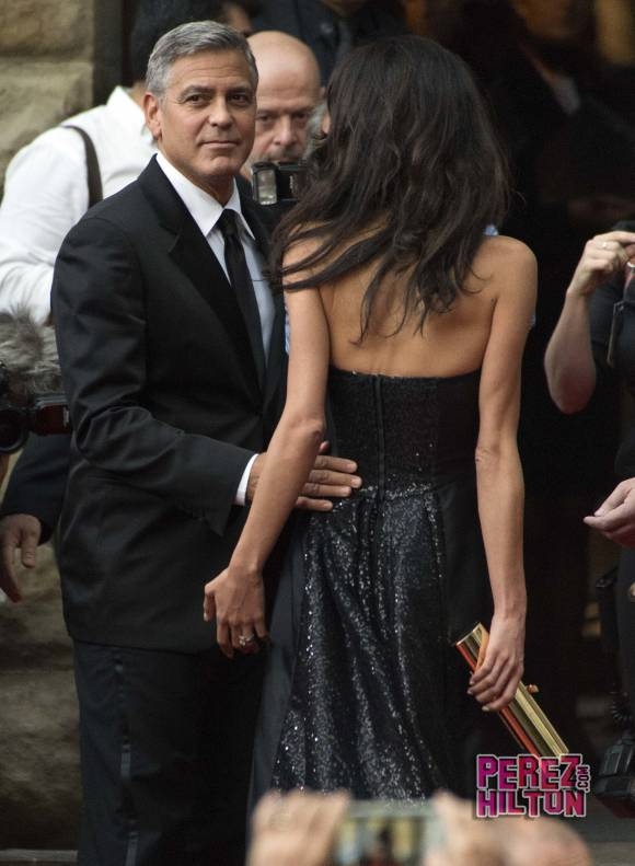 George Clooney and Amal to visit the Celebrity Fight Night Foundation in Florence - Page 4 Pere210
