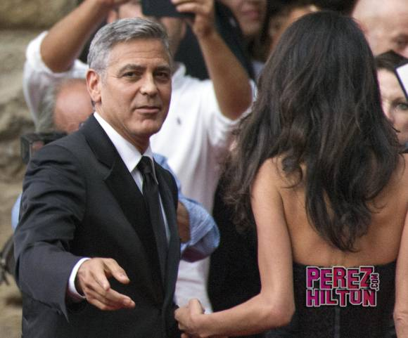 George Clooney and Amal to visit the Celebrity Fight Night Foundation in Florence - Page 4 Pere410