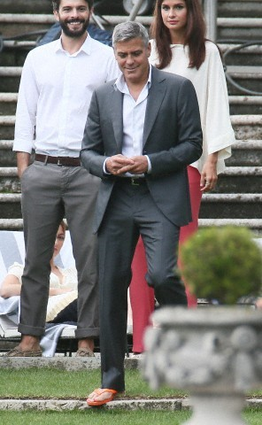 George Clooney and JEAN DUJARDIN doing a new NESPRESSO SPOT - Page 3 Tach910