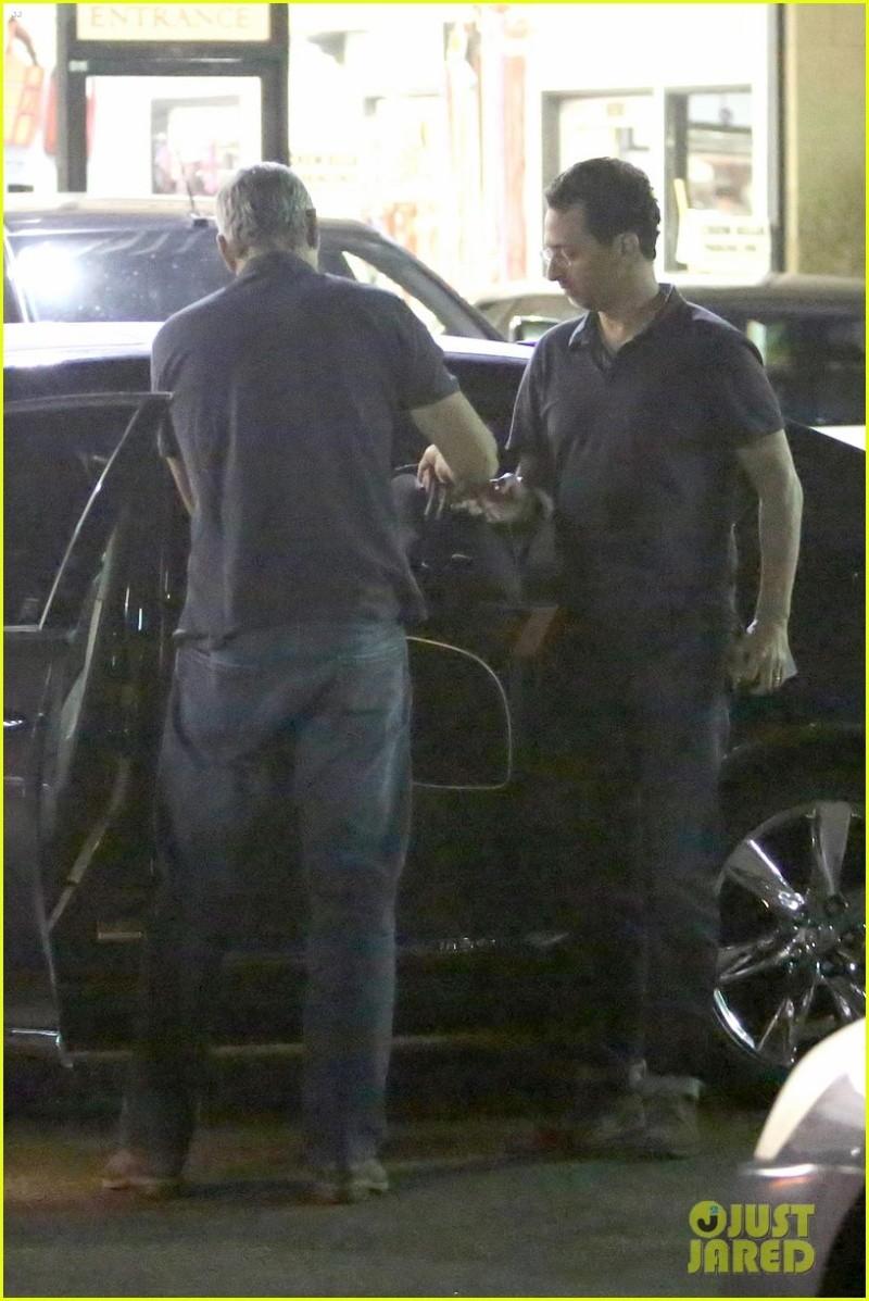 George Clooney in Los Angeles (May 30)  Tasche11