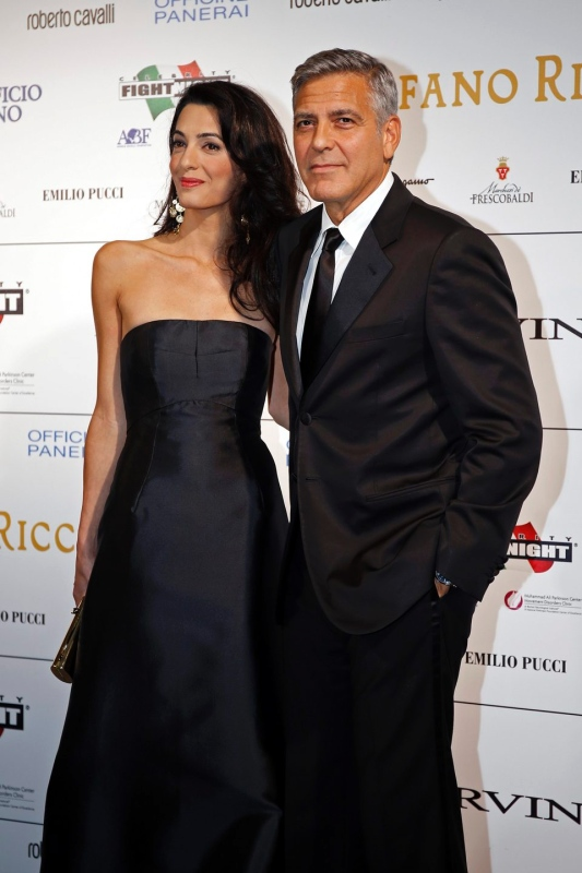 George Clooney and Amal to visit the Celebrity Fight Night Foundation in Florence - Page 2 Tata210