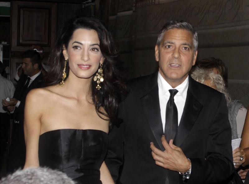 George Clooney and Amal to visit the Celebrity Fight Night Foundation in Florence - Page 2 Tata610