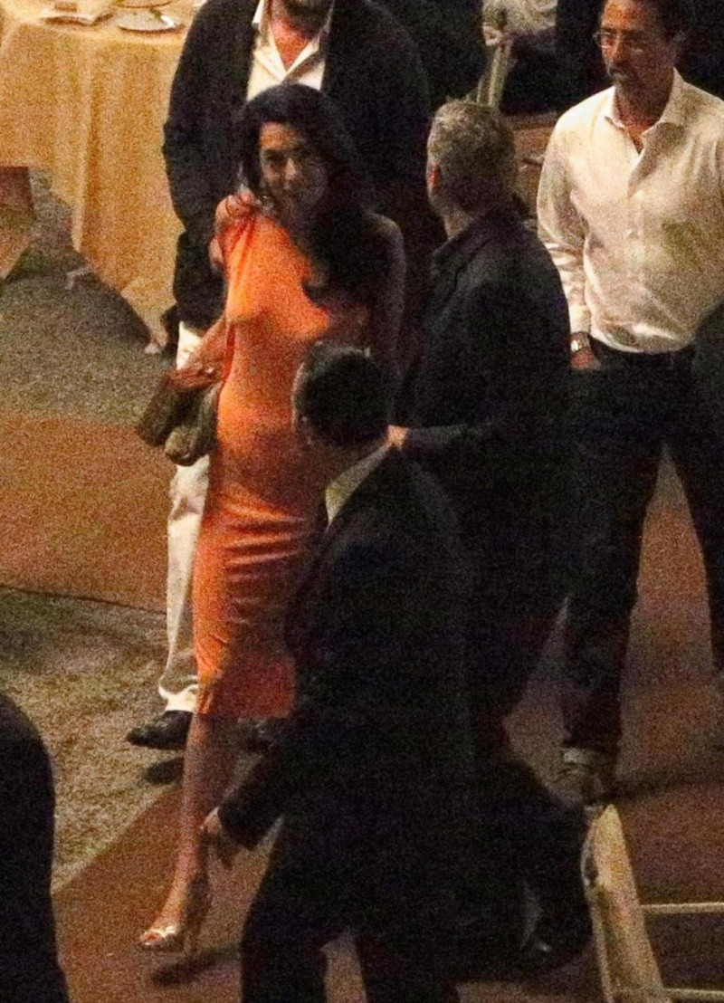 George Clooney and Amal dining at Villa d'este in Lake Como, Italy, on Aug. 29. 2014 Tisch10