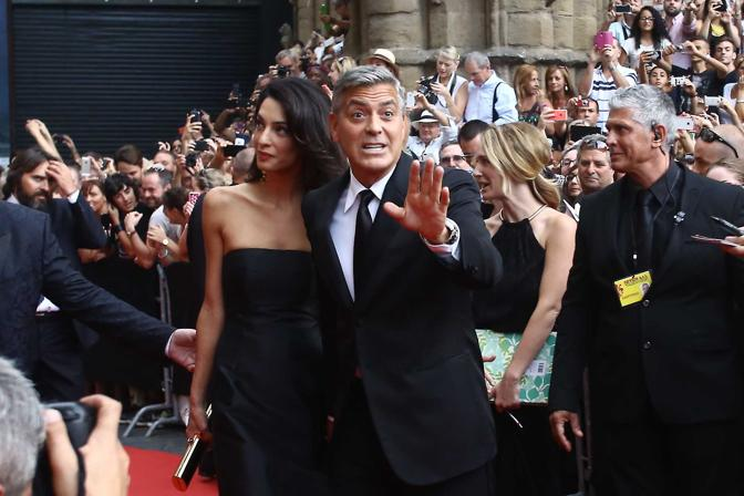 George Clooney and Amal to visit the Celebrity Fight Night Foundation in Florence - Page 2 Yap210
