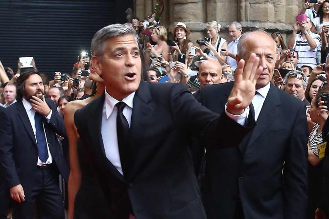 George Clooney and Amal to visit the Celebrity Fight Night Foundation in Florence - Page 2 Yap510