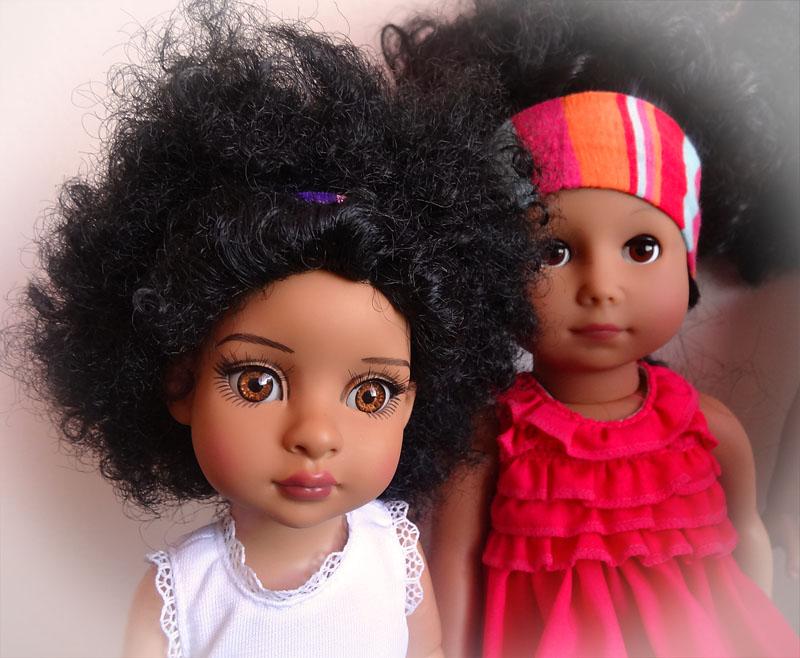 Trixie et mes poupées noires frisées 326