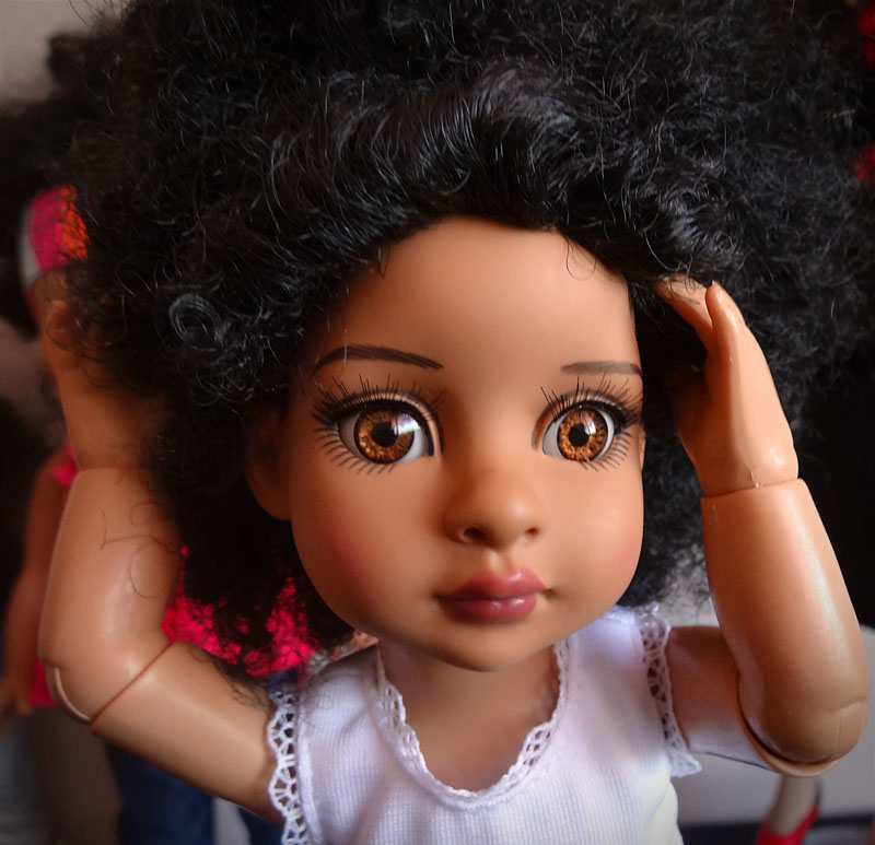 Trixie et mes poupées noires frisées 621